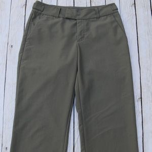 PATAGONIA Women's' Field Ranger Scout Pants Green